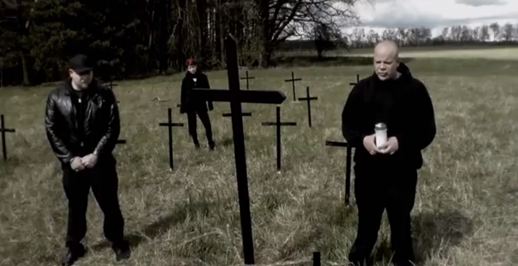 """Neonazi-Rapperduo besingen die """"Opfer von Ausländergewalt"""" (Screenshot)"""