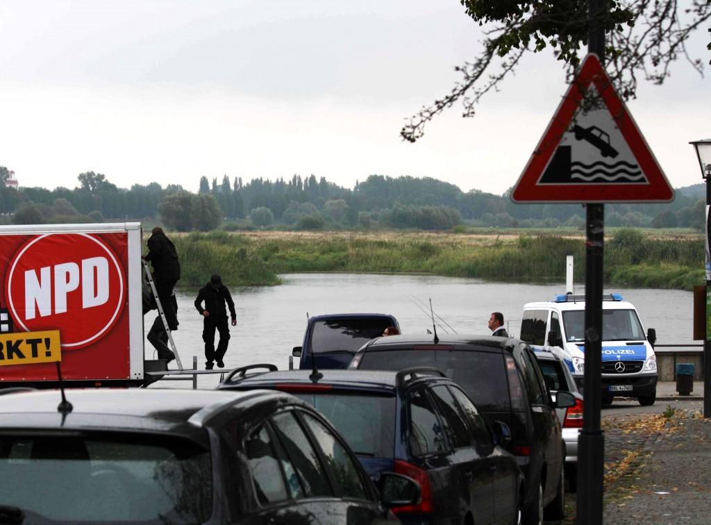 Die NPD am Abgrund? Keine wollte der NPD am Ufer der Oder zuhören.