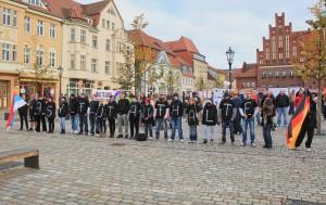 2014.11.08 Wittstock_Dosse Neonazikundgebung und Protest (28)