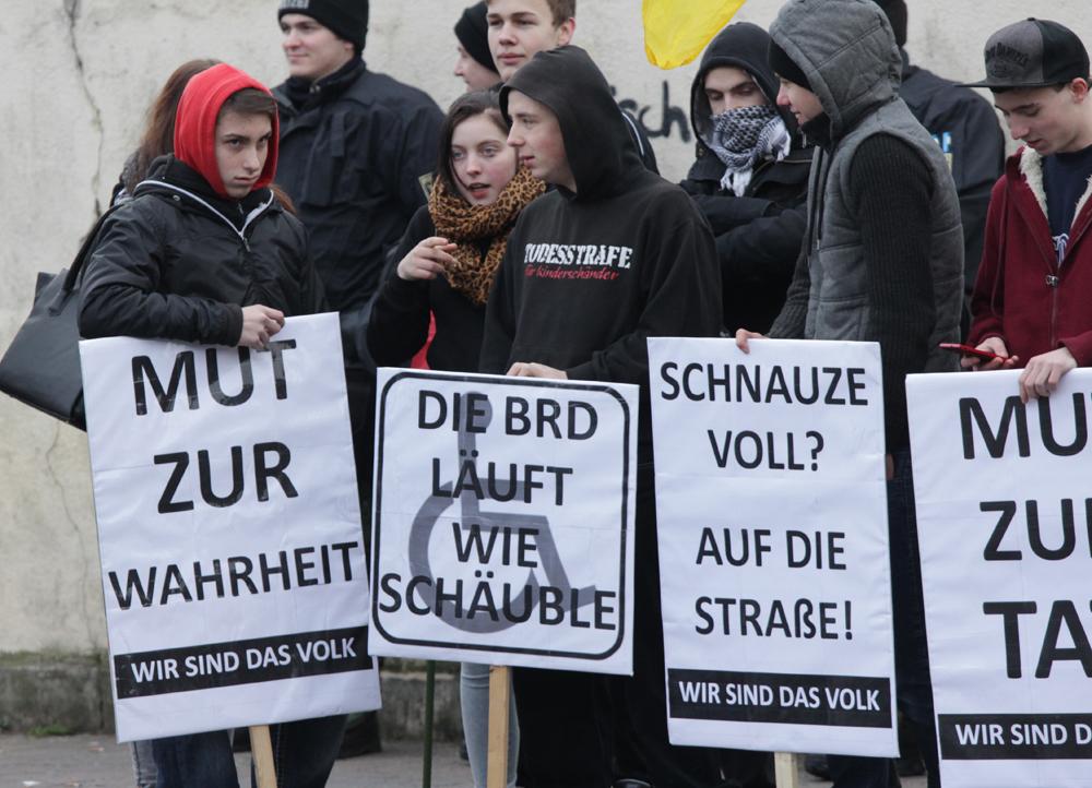 Frankfurt/Oder am 17.1.2015: Neonazi-Kids mit AfD- und behindertenfeindlichen Parolen