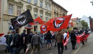 Lautstarke Demonstration durch die Cottbusser Innenstadt