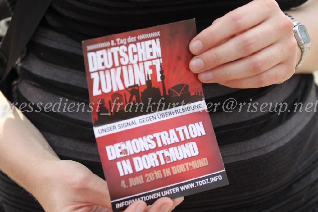 Nächstes Jahr findet der TddZ-Marsch in Dortmund statt. Michi Brück konnte aufgrund der vorzeitig beendeten Demo diesen aber selbst nicht mehr ankündigen.