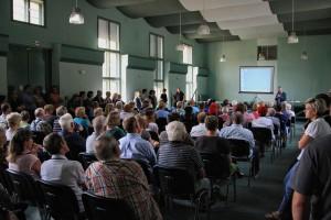 2015.08.24 Brandenburg-Kirchmoeser Einwohnerversammlung Asyl (1)