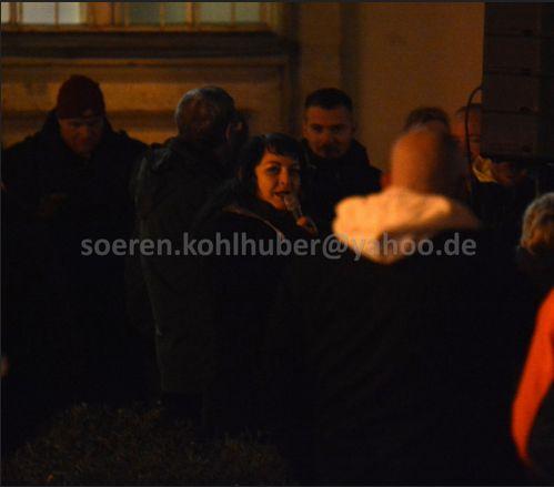 Nicol Schwarze beim Auftakt der Demonstration. Bild: Sören Kohlhuber.