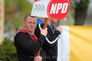 Stolzer NPD Mann Dave Trick, hier während einer Parteiveranstaltung am 19. April 2014 in Gransee (Landkreis Oberhavel)
