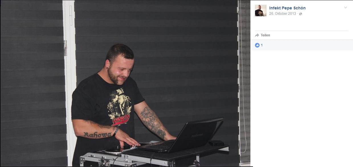 Pierre Schön beim Auflegen. Screenshot: Facebook.