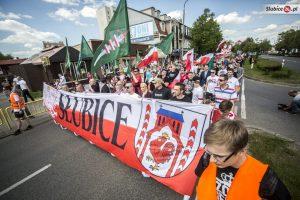 Am 7. Mai 2016 marschierten etwa 200 polnische NationalistInnen durch Slubice. (Quelle: slubice24.pl)