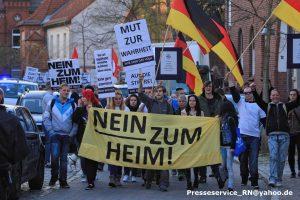 """""""Nein zum Heim""""-Aufmarsch am 16. April 2015 in Nauen: …der vermeintliche """"Volkswille"""" auf der Straße"""