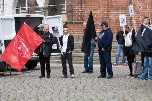 Michael Koth mit erhobener rechten Faust. (Foto: pressedienst ffo)