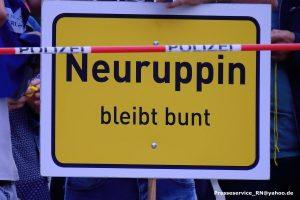 2017-08-24-neuruppin-proteste-gegen-afd-wahlkampfversammlung-mit-bjoern-hoecke-57